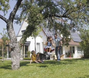 Wohn-Riester: Eine Familie mit zwei Kindern kann von staatlichen Förderungen bis zu 1.084 Euro jährlich profitieren. Foto: Bausparkasse Schwäbisch Hall
