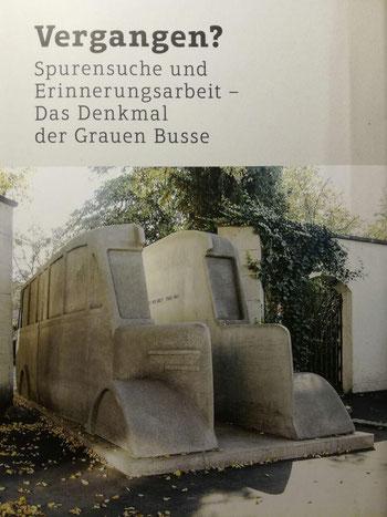 Buchcover (Foto: Julia Gilfert).