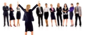 Erfahren Sie, wie Sie sich auch mit mehreren Chefs den Arbeitsalltag deutlich erleichtern können.