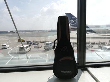 Bass Ukulele Flughafen