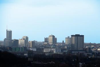 Unter Großstädten, Metropolen und städtischen Regionen sind sowohl Problemgebiete als auch zukunftsfähige Regionen zu finden