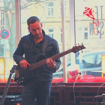 Bassist Lüneburg Detlev Gebers