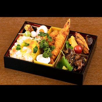 キャトルセゾンMORI・厳選国産牛ステーキと季節の松花堂弁当