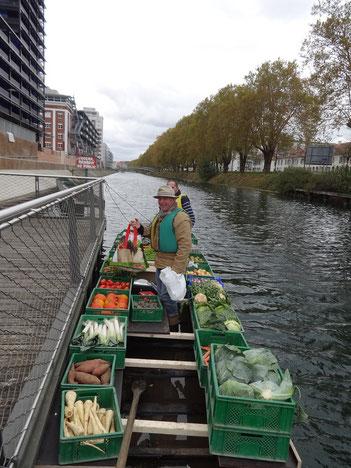Livraison Fruits et Légumes en barque