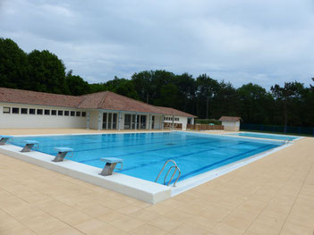 Pontacq piscine communautaire credit tourisme nord bearn madiran