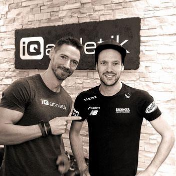 Andreas Wagner von iQ athletik und der Ironman-Weltmeister Patrick Lange