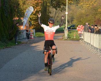 Der von iQ athletik trainierte Radsportler Sascha Starker wird Landesmeister im Cyclocross