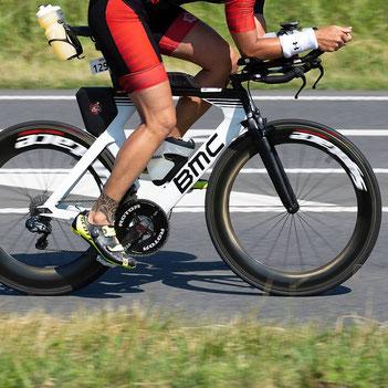 Bestimmen der optimalen Wettkampfbelastung für die Radstrecke im Triathlon