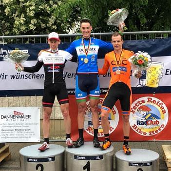 Joschka Beck gewinnt das Radrennen in Leimersheim