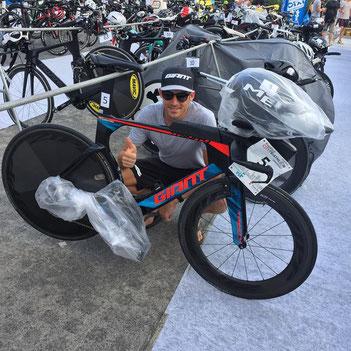 Horst Reichel siegt beim Frankfurt City Triathlon