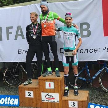 Sascha Starker und Christoph May belegen Platz 2 und 3 beim Schottener Bergzeitfahren
