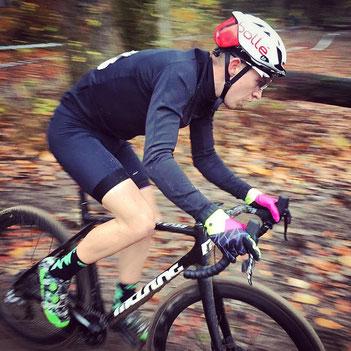 Der von iQ athletik trainierte Radsportler Till Drobisch wird Hessenmeister im Radcross