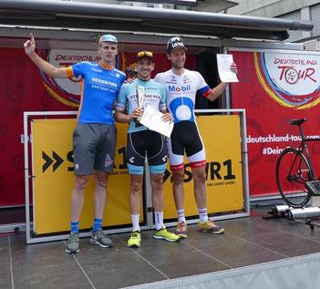 Der Radsportler Kai Miebach vom Team Strassacker gewinnt in Stuttgart