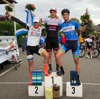 Das Cycling Team Erdinger Alkoholfrei fährt auch in Neustadt aufs Podium