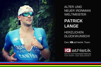 Der Profi-Triathlet Patrick Lange mit neuem Streckenrekord seinen Weltmeistertitel verteidigt