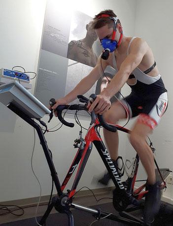 Leistungsdiagnostik mit dem Elite-Mountainbiker Tobias Eise
