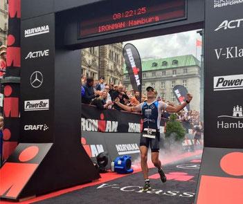 Der von iQ athletik mit Leistungsdiagnostik unterstützte Triathlet Horts Reichel belegt Platz 2. beim Ironman Hamburg (Foto: Horst Reichel)