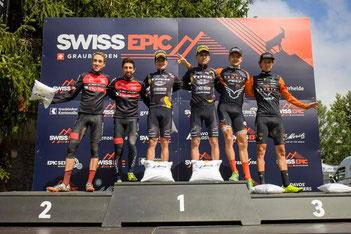 Das von iQ athletik unterstützte Mountainbike Team Texpa-Simplon gewinnt die Bronze-Medaille beim Swiss Epic (Foto: Texpa Simplon)