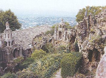 les constructions de rocaille, à l'ermitage du Mont Cindre