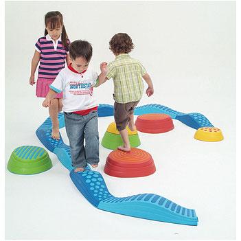 La rivière de sensations tactile pour enfants. Matériel sportif et pédagogique enfants à acheter pas cher.