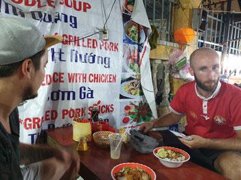 Nachtmarkt Hoi An - Vietnamesisch Essen