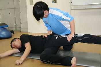 お尻の横側の筋力テスト