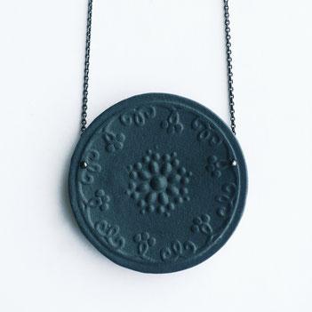 porseleinen ketting zwart, porseleinen sieraden, handgemaakte sieraden