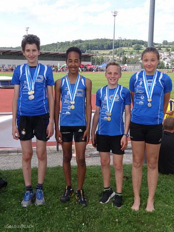 Die Medaillengewinner (von links) Eliseo Weber, Yannick Rohrer, Adrian Mathis und Jamie Reuper