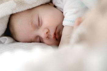 Schlafberatung 1001kindernacht 1001 kindernacht Kitzingen Würzburg Schweinfurt Nürnberg Beratung Baby Kleinkind schläft nicht durch wacht ständig auf Schlafcoach