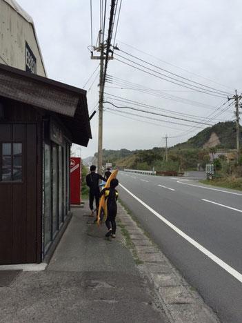 工事中なので浜までテクテクぐるっと回ります(^_^;) 大変ですが、これもトレーニングだと思って・・