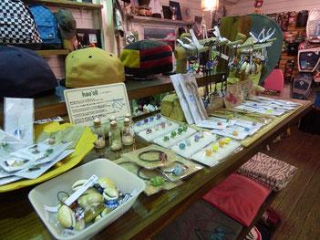 種子島のハウオリさんがお店に沢山商品を持って来て頂きました~!
