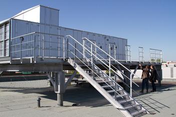 Bürogebäude Wuppertal BlowerDoor Test Leckagensuche Anemometrie Thermografie Nebel
