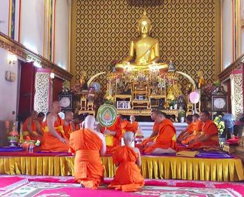 Ordination zum Bhikkhu (& Novizen) im Tempel in Bangkok
