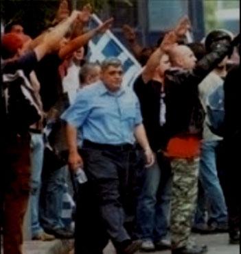 Medlemmer af fascistpartiet Chrysi Avgi