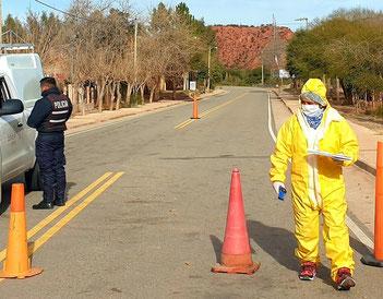 Polizeikontrolle kurz vor Aicuña