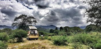 Dunkle Wolken in Guanchin / Argentinien