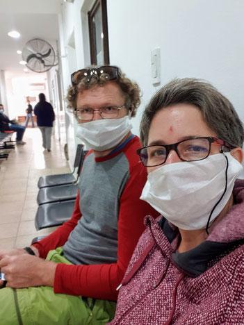 Waren auf die Augenärztin in der Clinica Privada in Chilecito