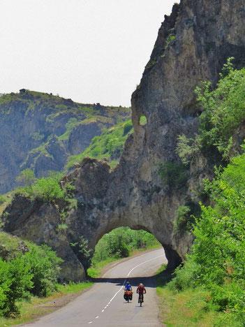 Kurz nach Goris, an der Grenze zu Aserbeidschan