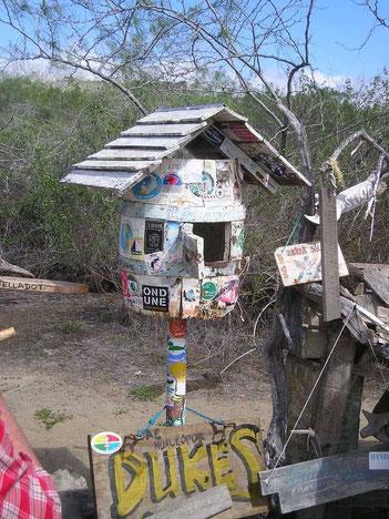 Post office Bay Floreana galapagos postlagernd floreana widmer