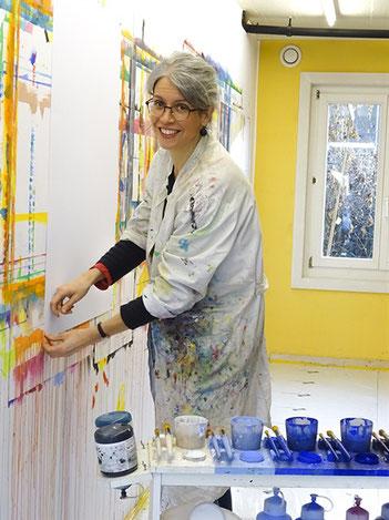 Kunsttherapeutin im Malatelier