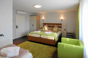 Premium-Dreibettzimmer mit Klimaanlage