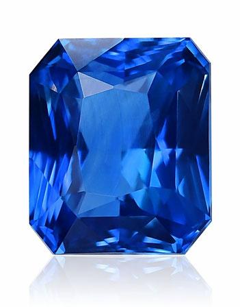photo d'un saphir, pierre précieuse bleue, taillé en rectangle