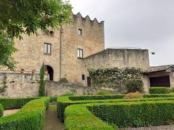 10 удивительных замков Каталонии