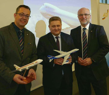 Wolfgang Meier flanked by Mathias Jakobi (left) and Christoph Papke (right)  -  courtesy: ACD