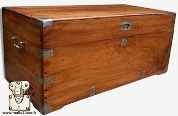 Coffre en bois de Camphrier laurier - vers 1920