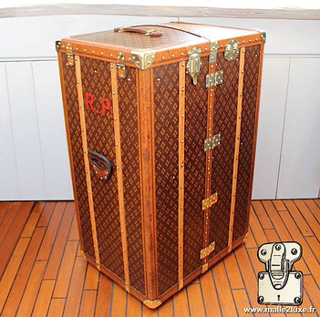 trunk in the united states old Louis Vuitton