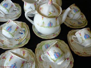 Feines englisches Porzellan Teeservice