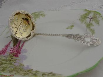 Antike Sterling Silber Zuckersieblöffel aus England