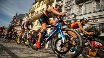 Bei der Triathlon-Mixed-Staffel 2019 in Wert gewann Caro mit dem deutschen Team Silber.