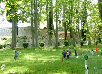 Festival d' épouvantails dans le parc du Château castries